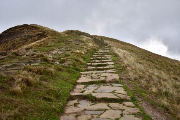 Rauf zum Gipfel des Mam Peak